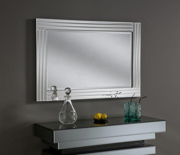 Zahra Black velvet frame