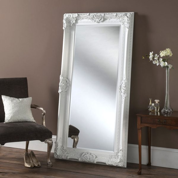 Traditional Leaner Mirror