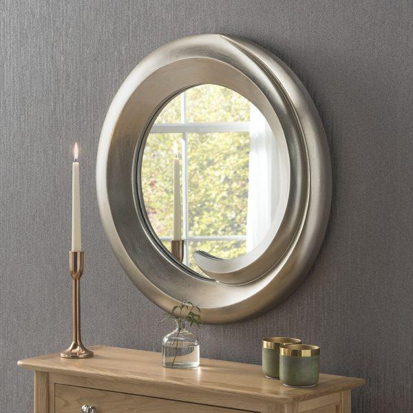 Nora Mirror